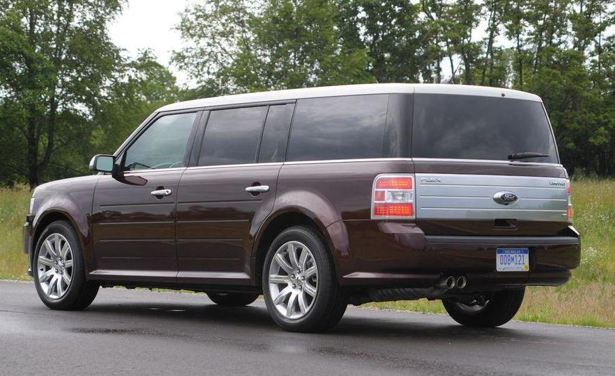 2009 Ford Flex Limited AWD - Slide 13