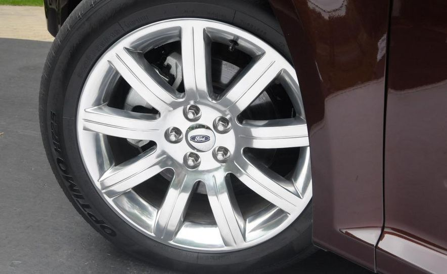 2009 Ford Flex Limited AWD - Slide 19
