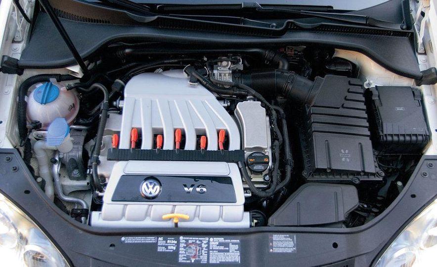 2008 Volkswagen R32 - Slide 9