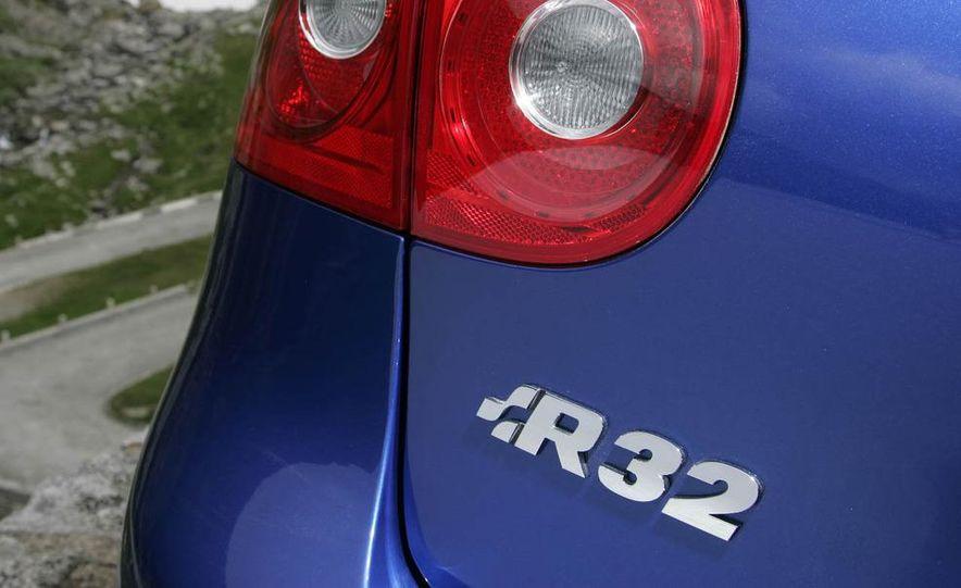 2008 Volkswagen R32 - Slide 4