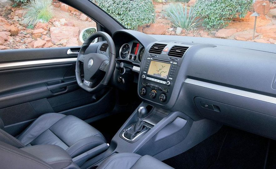 2008 Volkswagen R32 - Slide 11