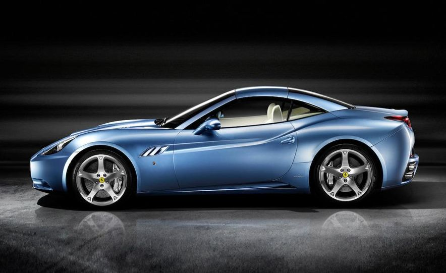 2009 Ferrari California - Slide 25