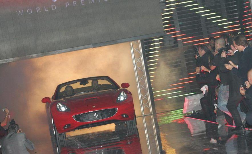 2009 Ferrari California - Slide 32