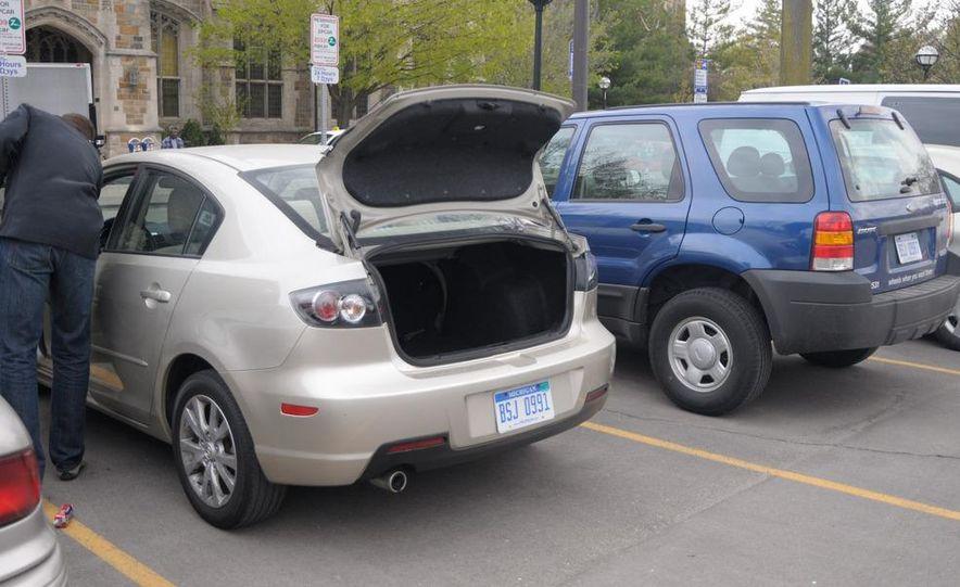 Zipcar Mazda 3 s 5-door - Slide 13