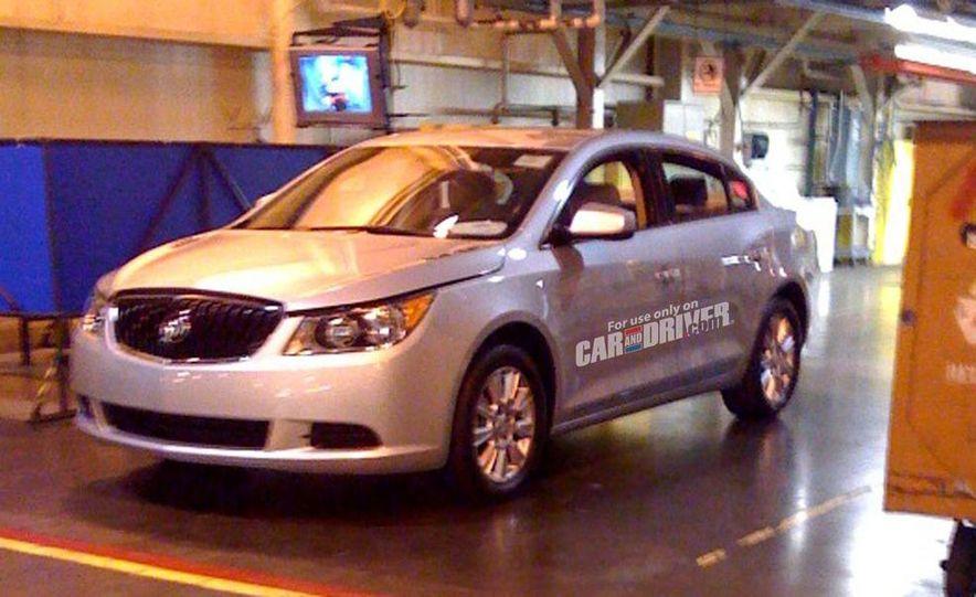 2010 Buick LaCrosse steering wheel and instrument cluster - Slide 2