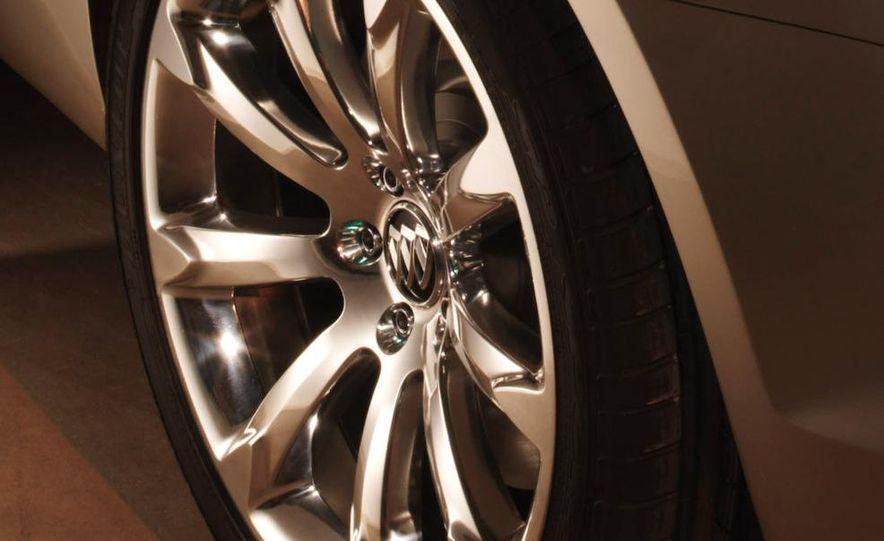 2010 Buick LaCrosse steering wheel and instrument cluster - Slide 16