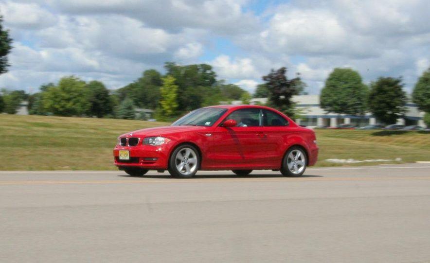 2008 BMW 128i - Slide 1
