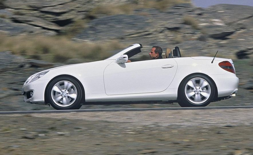 2009 Mercedes-Benz SLK350 - Slide 9