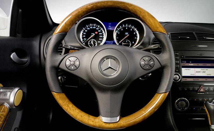 2009 Mercedes-Benz SLK350 - Slide 32