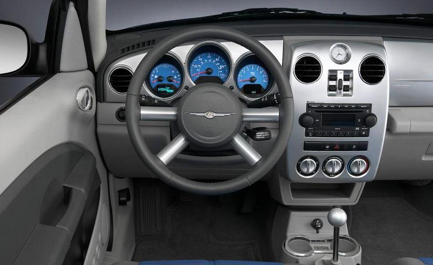 2009 Chrysler PT Dream Cruiser Series 5 - Slide 21