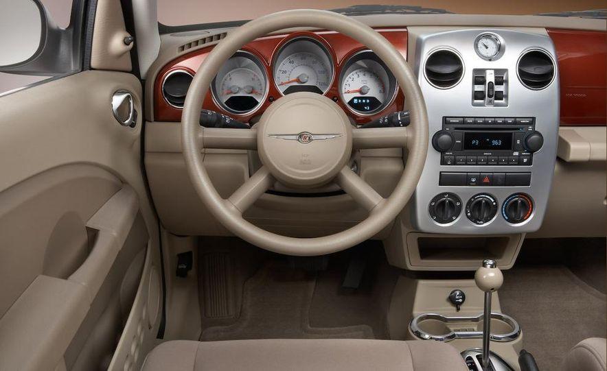 2009 Chrysler PT Dream Cruiser Series 5 - Slide 20