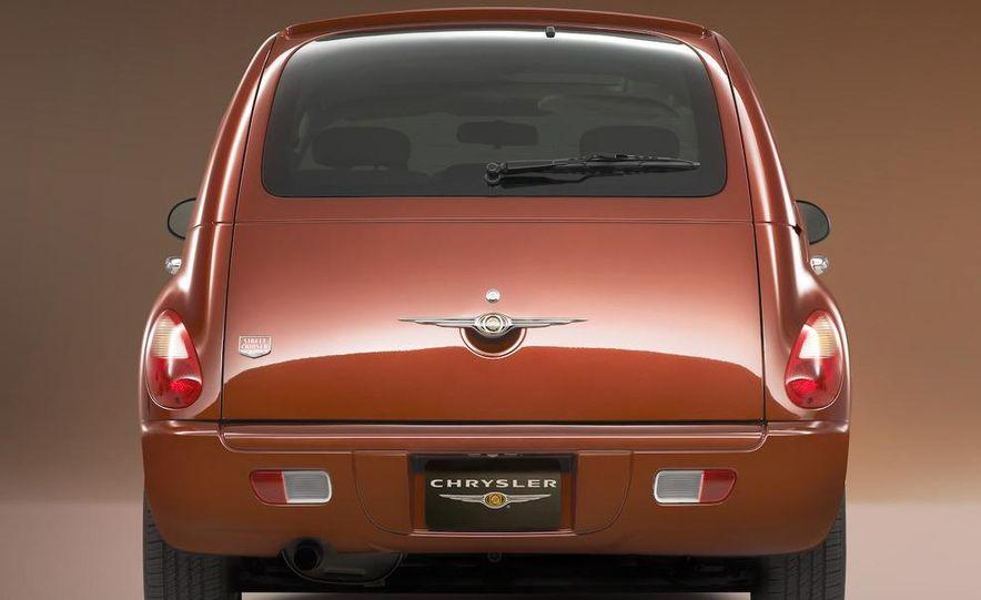 2009 Chrysler PT Dream Cruiser Series 5 - Slide 13
