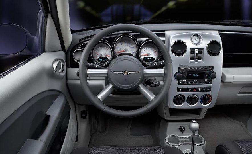 2009 Chrysler PT Dream Cruiser Series 5 - Slide 6