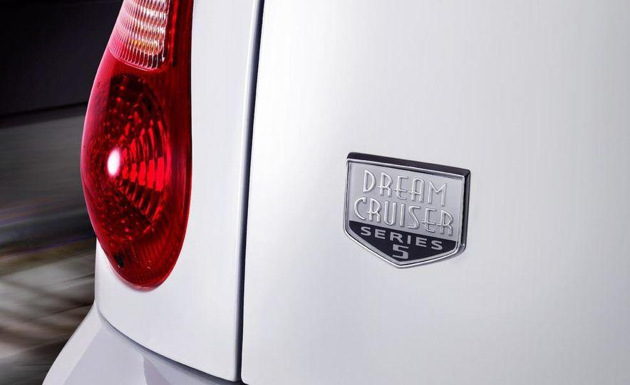 2009 Chrysler PT Dream Cruiser Series 5 - Slide 5