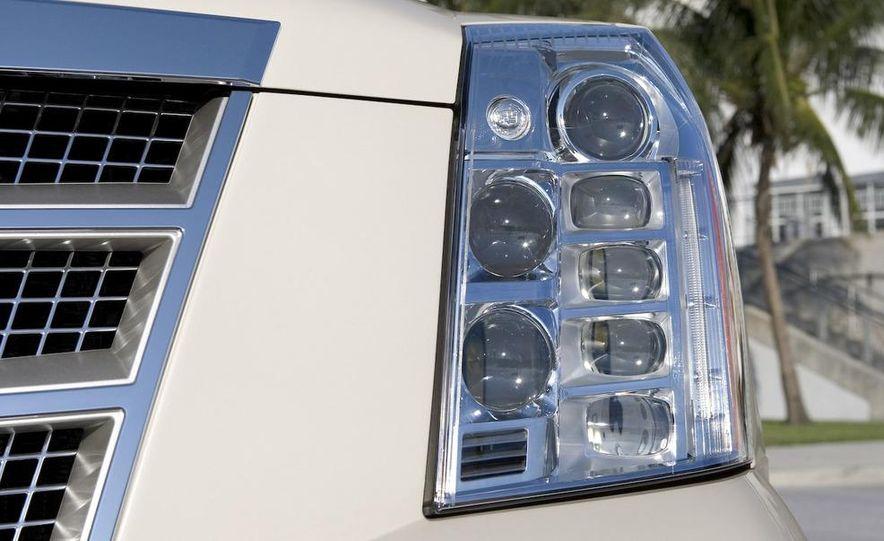 2009 Cadillac Escalade hybrid - Slide 17