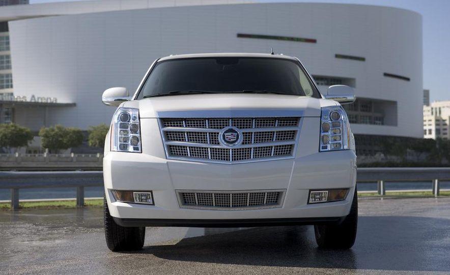 2009 Cadillac Escalade hybrid - Slide 16
