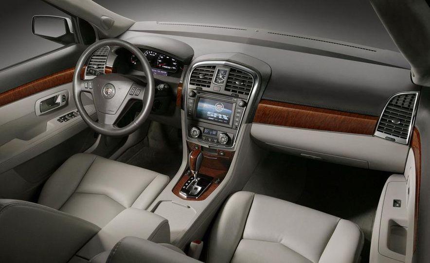 2010 Cadillac SRX - Slide 16