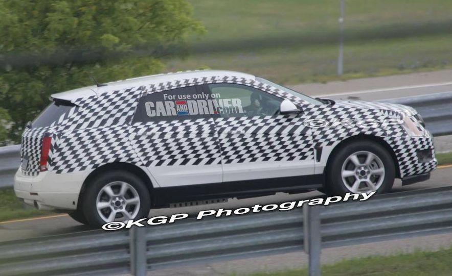 2010 Cadillac SRX - Slide 7