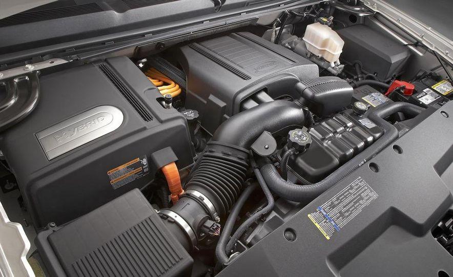2009 Chevrolet Silverado hybrid - Slide 9