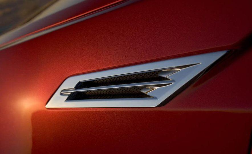 2010 Cadillac CTS Sport Wagon - Slide 37