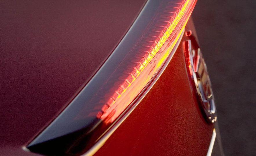 2010 Cadillac CTS Sport Wagon - Slide 38