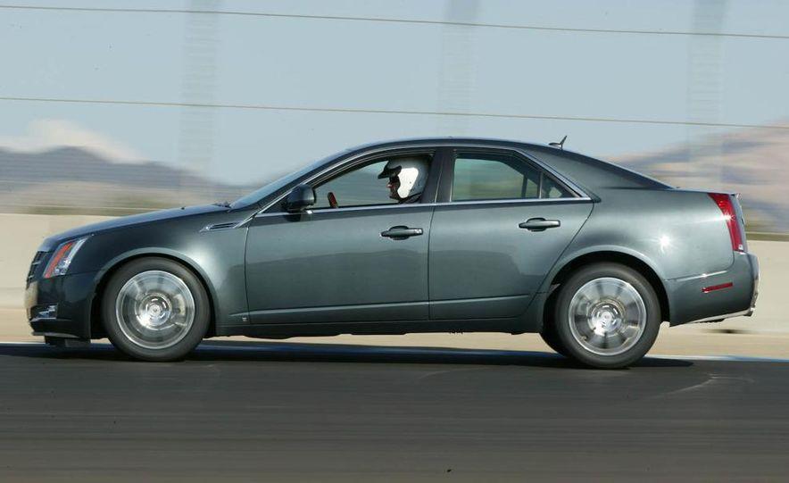 2010 Cadillac CTS Sport Wagon - Slide 32