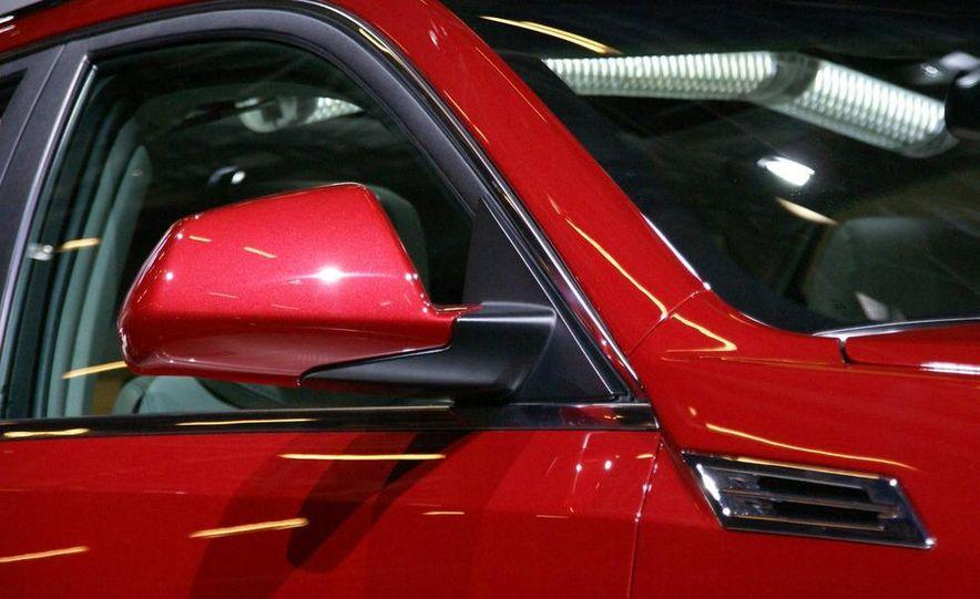 2010 Cadillac CTS Sport Wagon - Slide 10