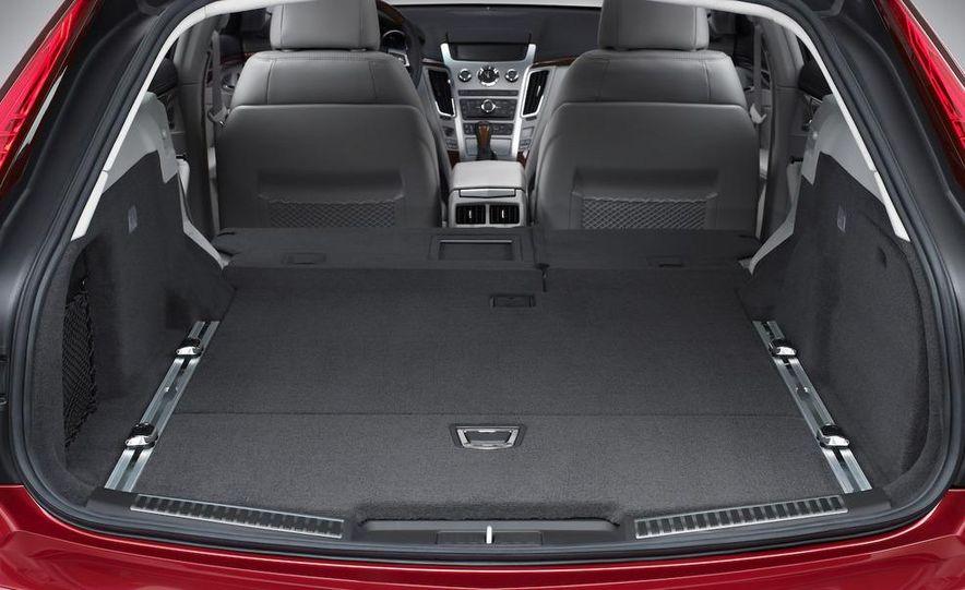 2010 Cadillac CTS Sport Wagon - Slide 24