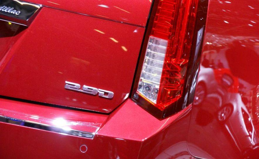 2010 Cadillac CTS Sport Wagon - Slide 12