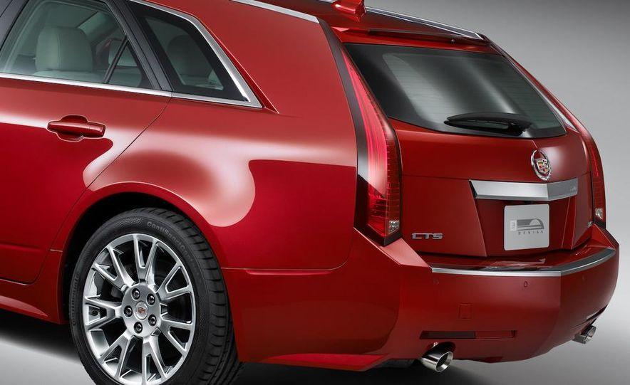 2010 Cadillac CTS Sport Wagon - Slide 17