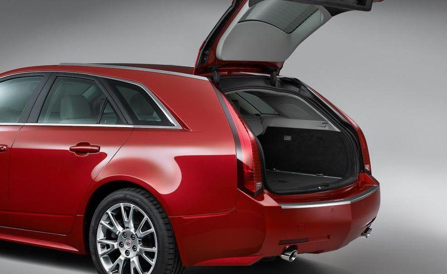 2010 Cadillac CTS Sport Wagon - Slide 19