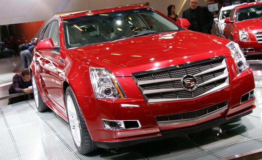 2010 Cadillac CTS Sport Wagon - Slide 5