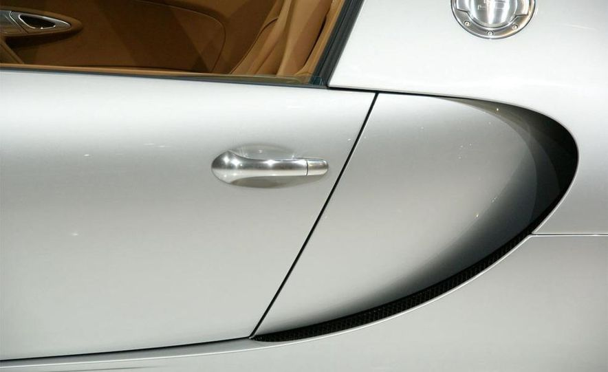 2009 Bugatti Veyron 16.4 GrandSport - Slide 22