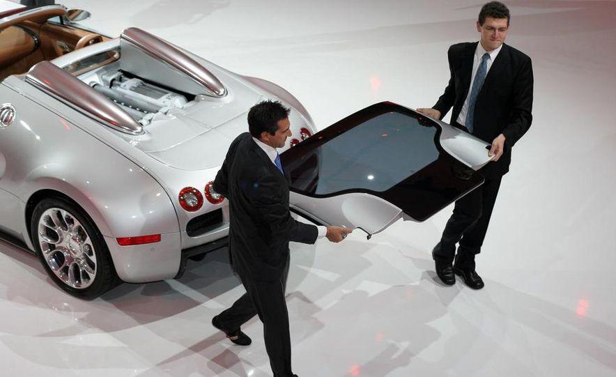 2009 Bugatti Veyron 16.4 GrandSport - Slide 14