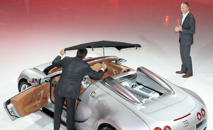 2009 Bugatti Veyron 16.4 GrandSport - Slide 16