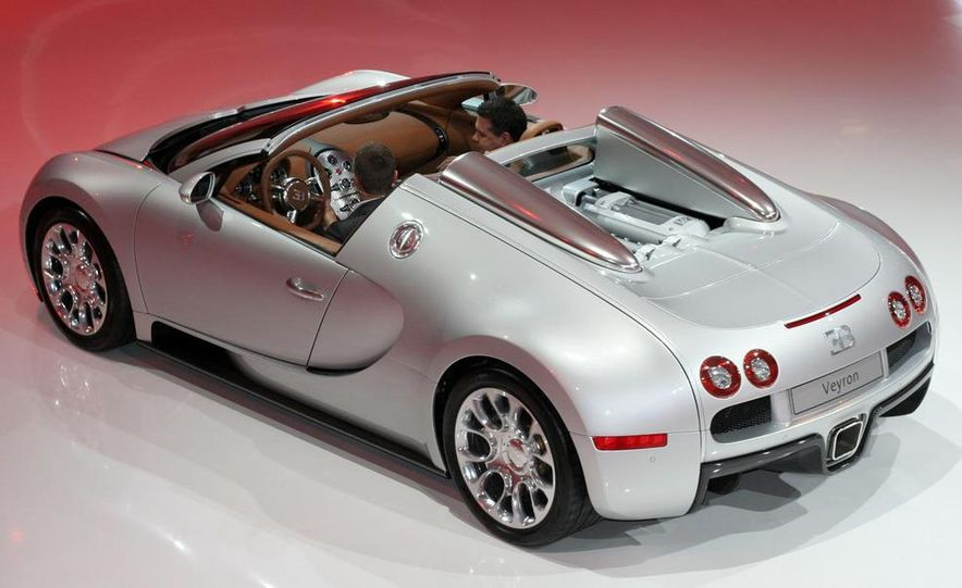 2009 Bugatti Veyron 16.4 GrandSport - Slide 18