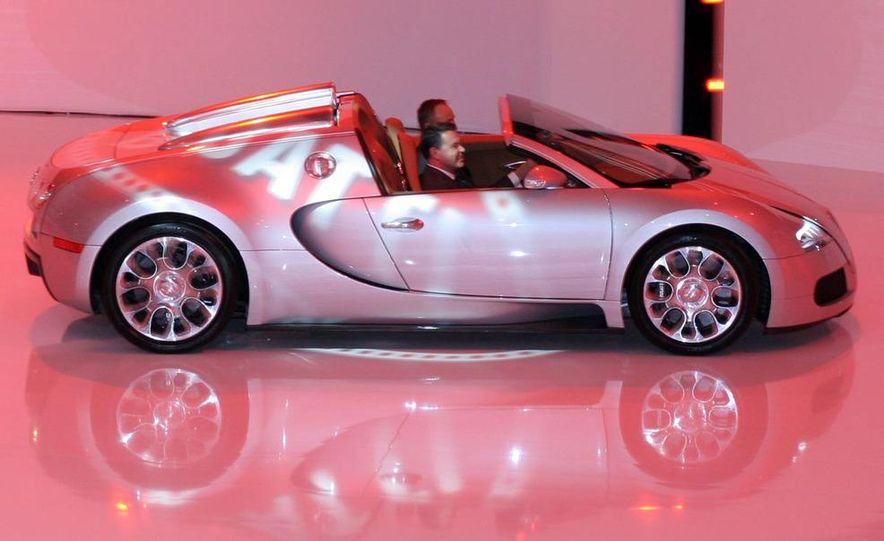 2009 Bugatti Veyron 16.4 GrandSport - Slide 19