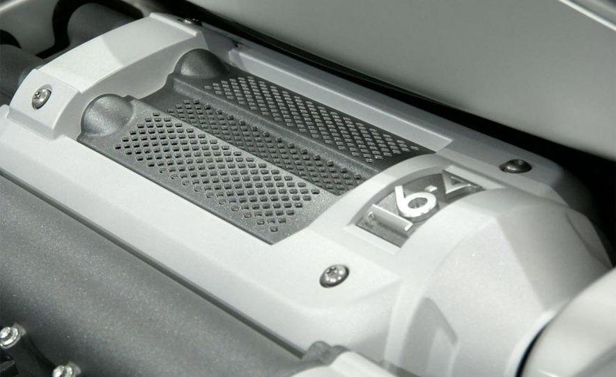 2009 Bugatti Veyron 16.4 GrandSport - Slide 24