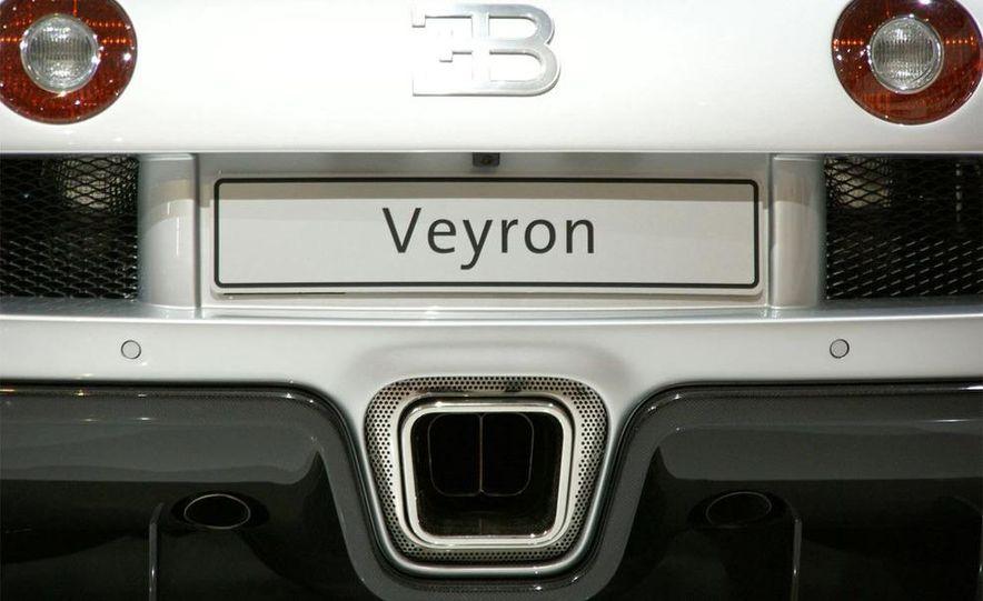 2009 Bugatti Veyron 16.4 GrandSport - Slide 21