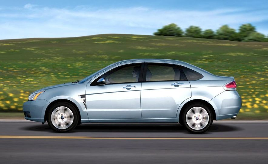 2009 Ford Focus - Slide 3