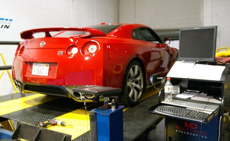 2009 Nissan GT-R wheel - Slide 2