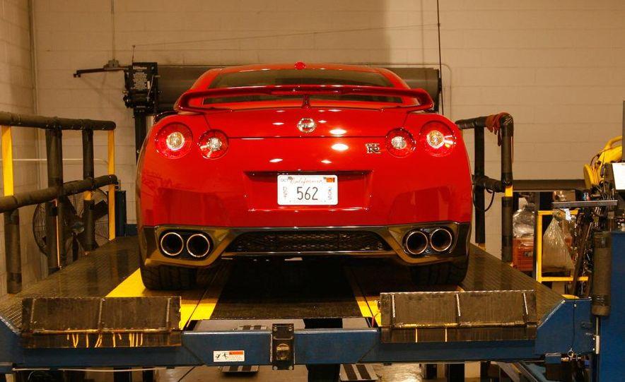 2009 Nissan GT-R wheel - Slide 4