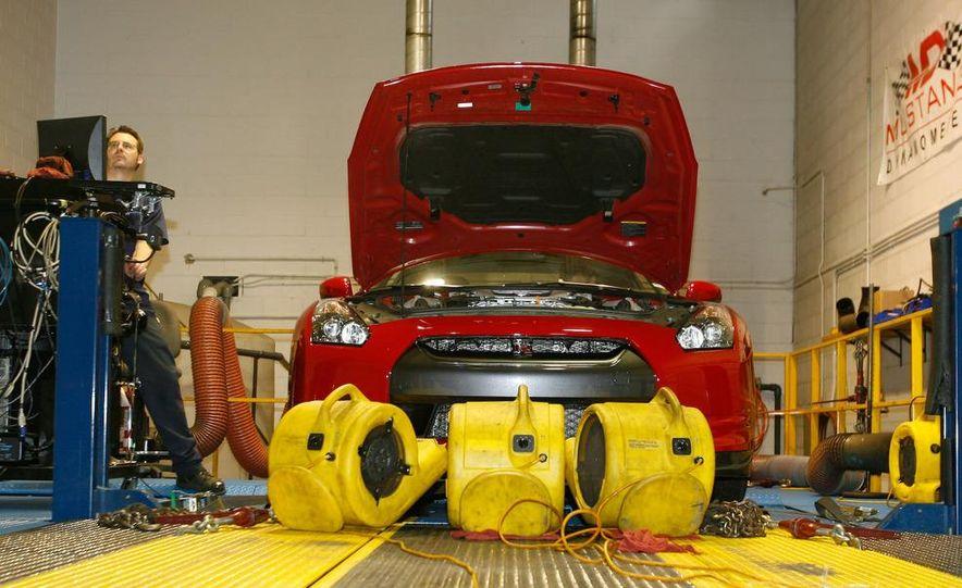 2009 Nissan GT-R wheel - Slide 17