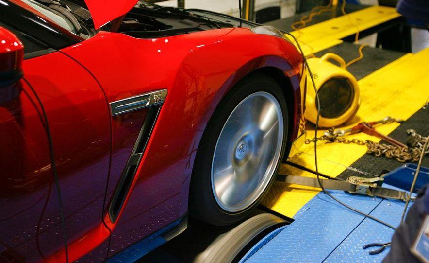 2009 Nissan GT-R wheel - Slide 20
