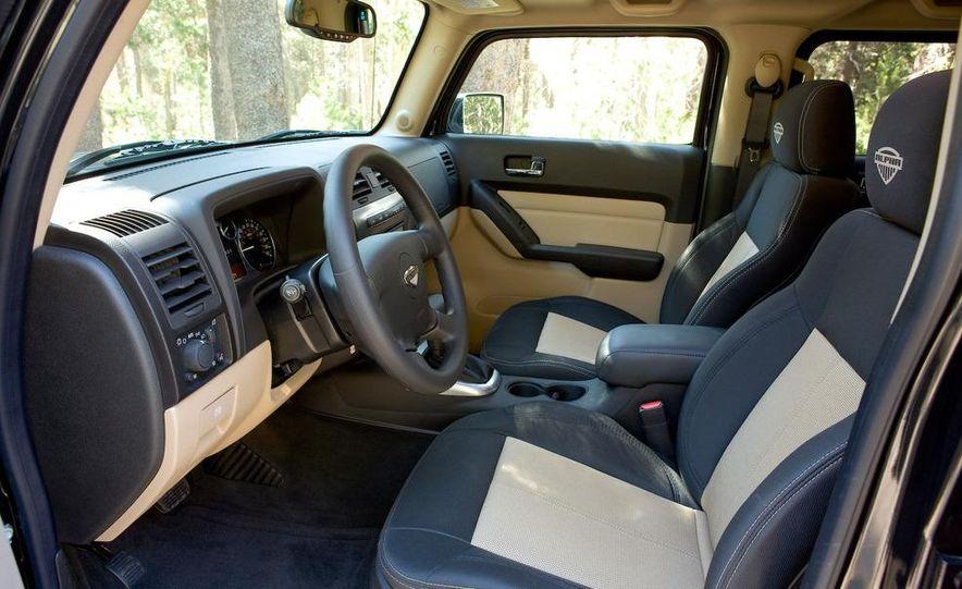 2009 Hummer H3T - Slide 19