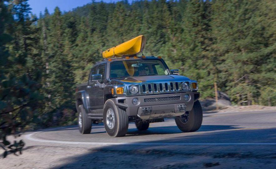 2009 Hummer H3T - Slide 2