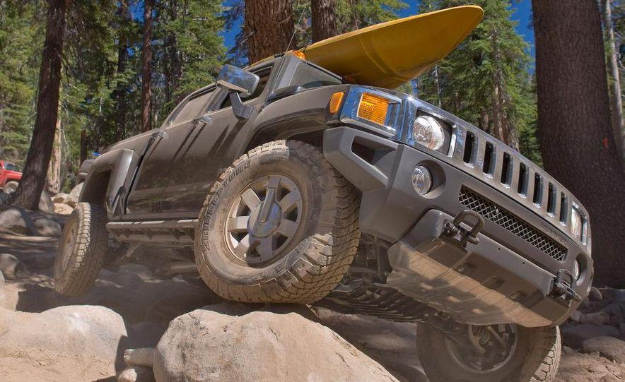 2009 Hummer H3T - Slide 12