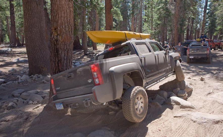 2009 Hummer H3T - Slide 14