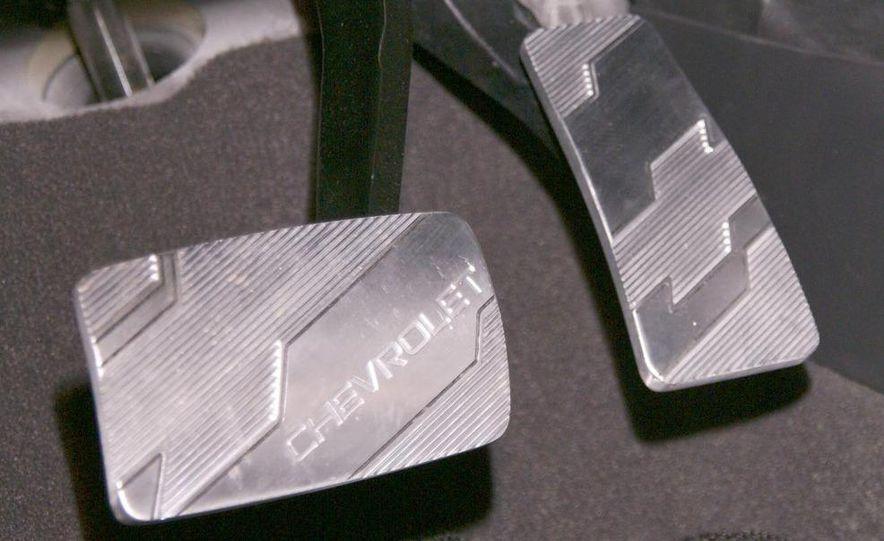 2011 Chevrolet Cruze - Slide 25