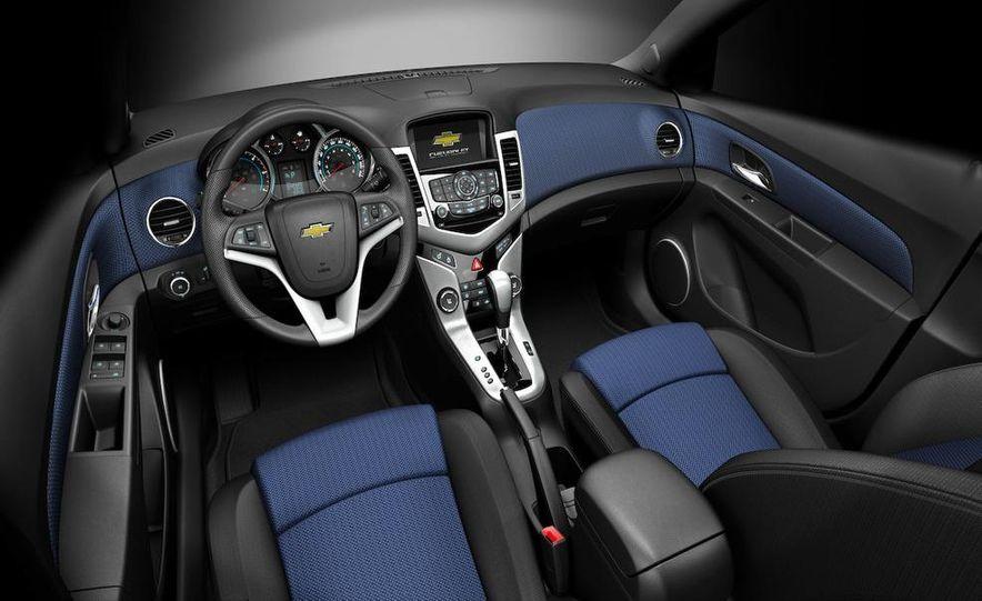 2011 Chevrolet Cruze - Slide 35
